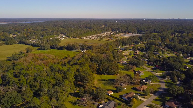 Lateral drone video video Tallahassee landscape and neighborhoods 4k 24p