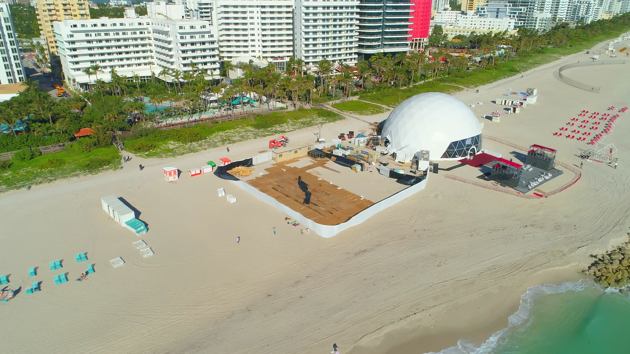 2017 Miami Beach Art Basel show events on the sand