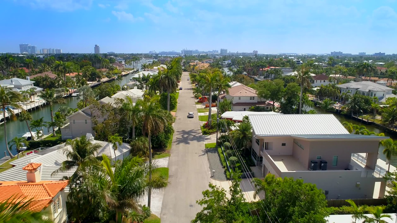 Aerial video rich homes mansions Fort Lauderdale Florida 4k 60p