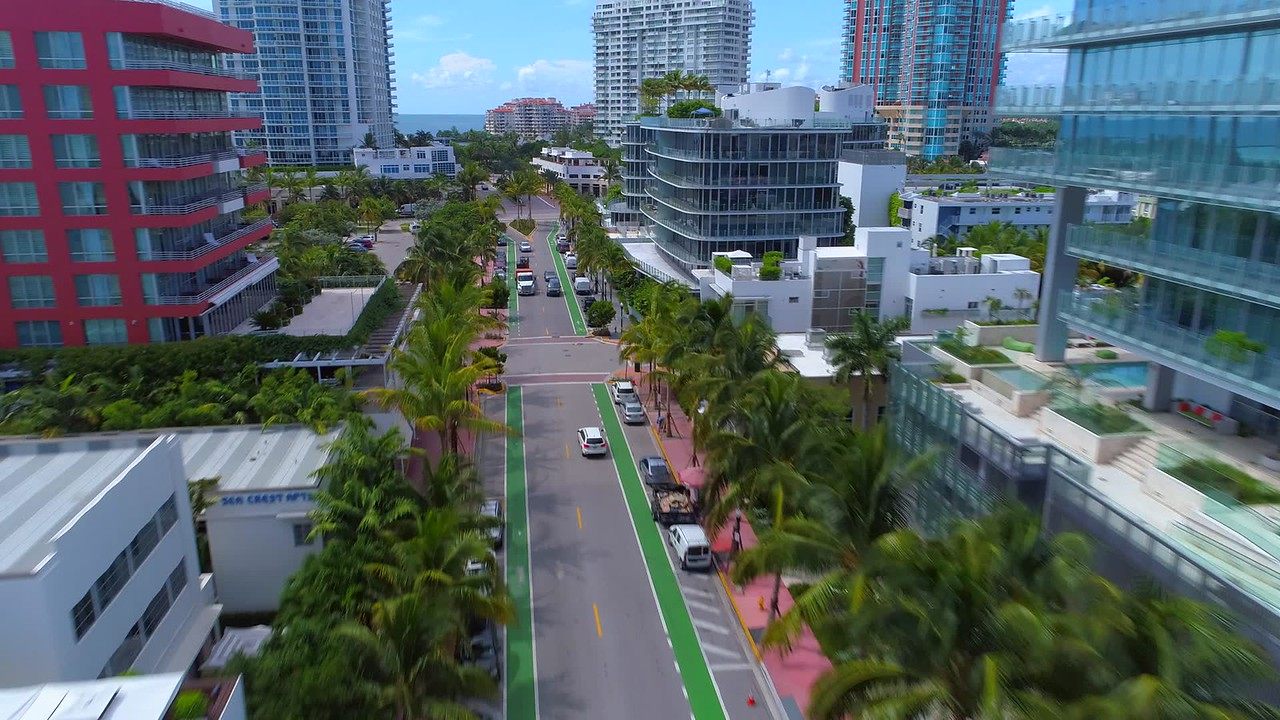 Drone Ocean Drive south of 5th Street