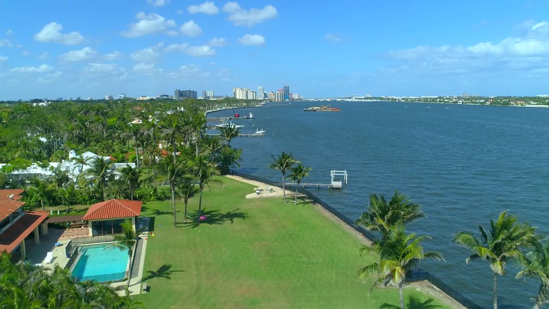 Waterfront mansions West Palm Beach upscale neighborhood 4k 60p footage