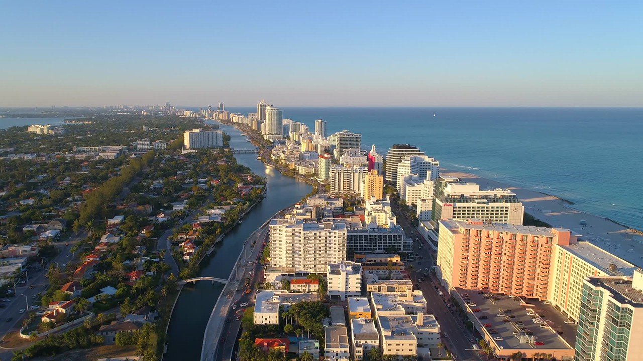 Miami Beach condos between Indian Creek and Atlantic Ocean