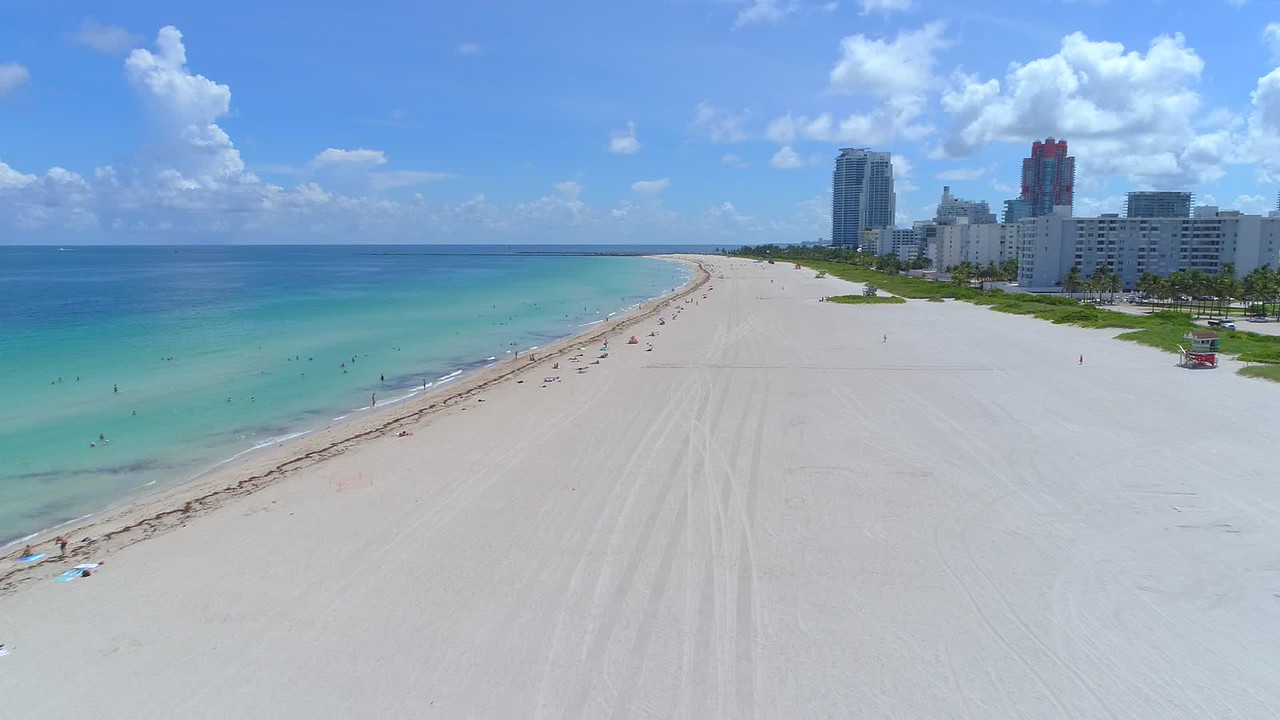 Miami Beach empty after evacuation Hurricane Irma