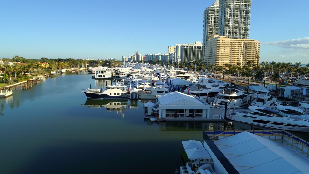 Aerial drone hyperlapse footage Miami Beach Boat Show 2018 4k 60p