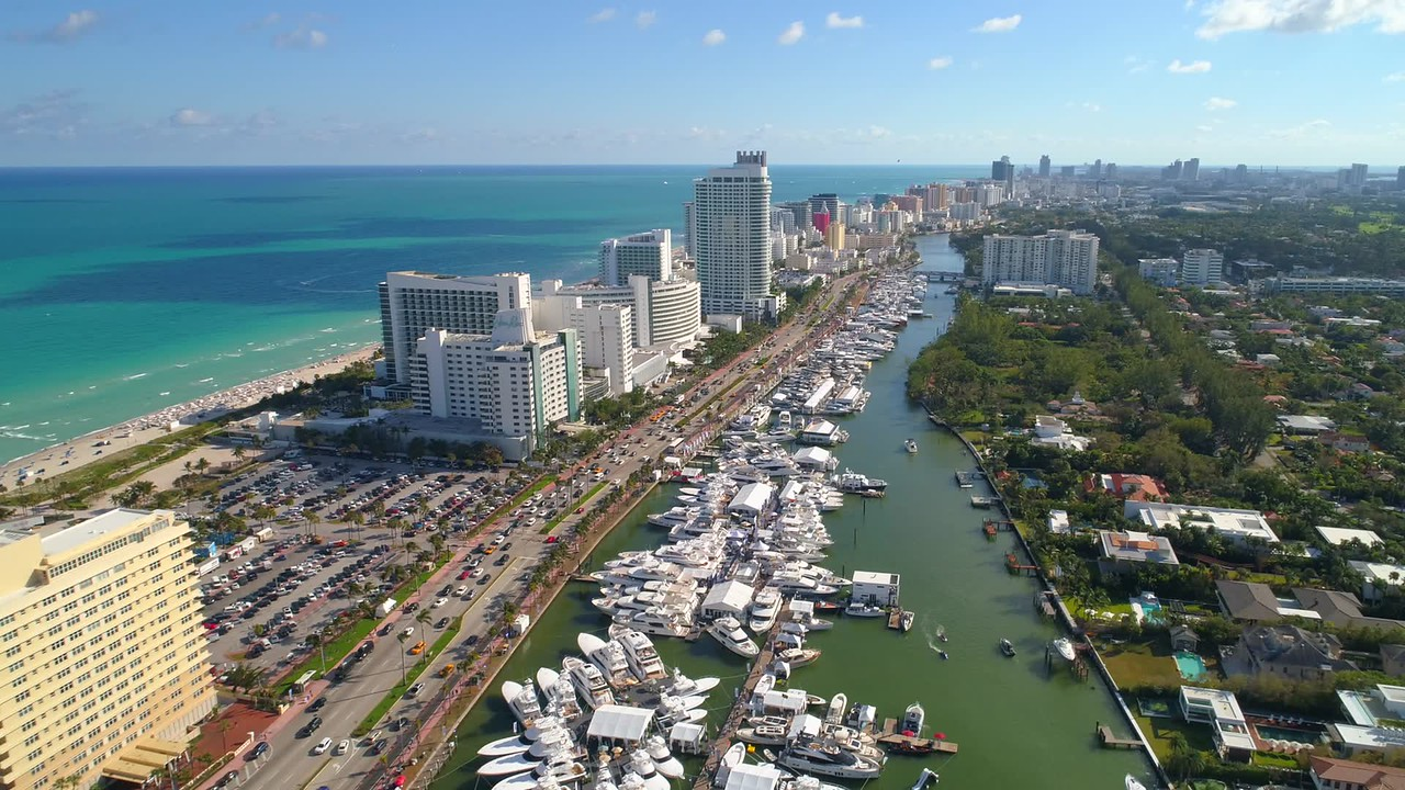 Aerial reveal Miami boat show 2018 event