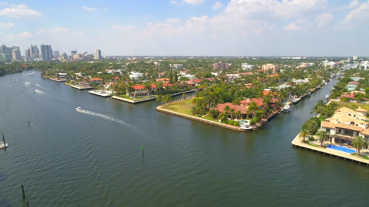 Aerial waterfront homes Ft Lauderdale Florida