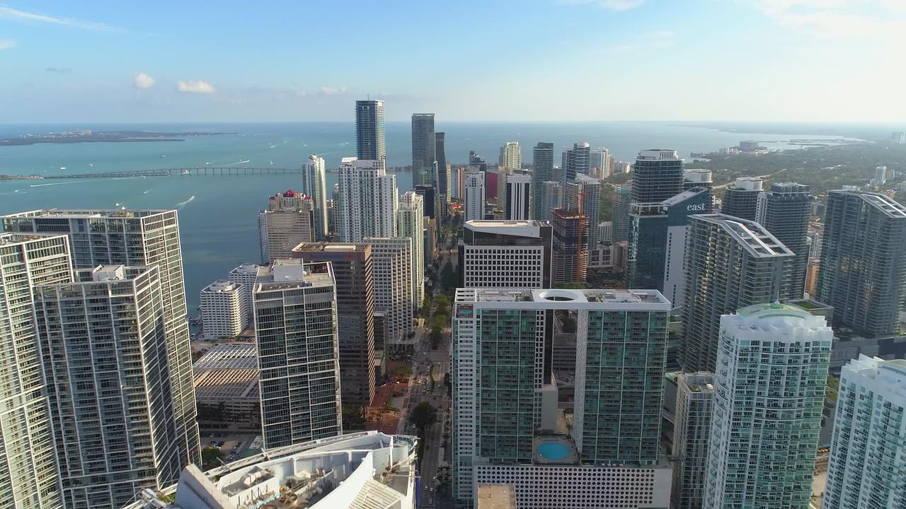 Aerial forward motion establishing footage Brickell Miami 4k 24p