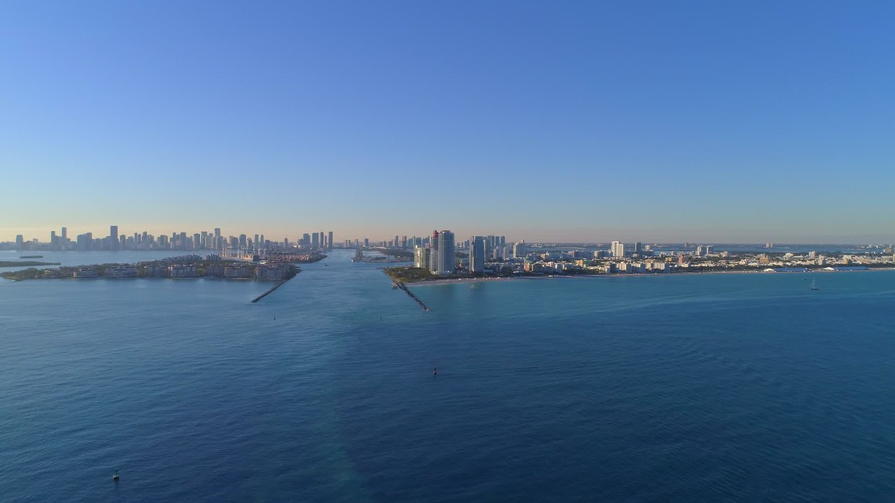 Aerial hyperlapse approach Miami Beach Government Cut 4k 24p