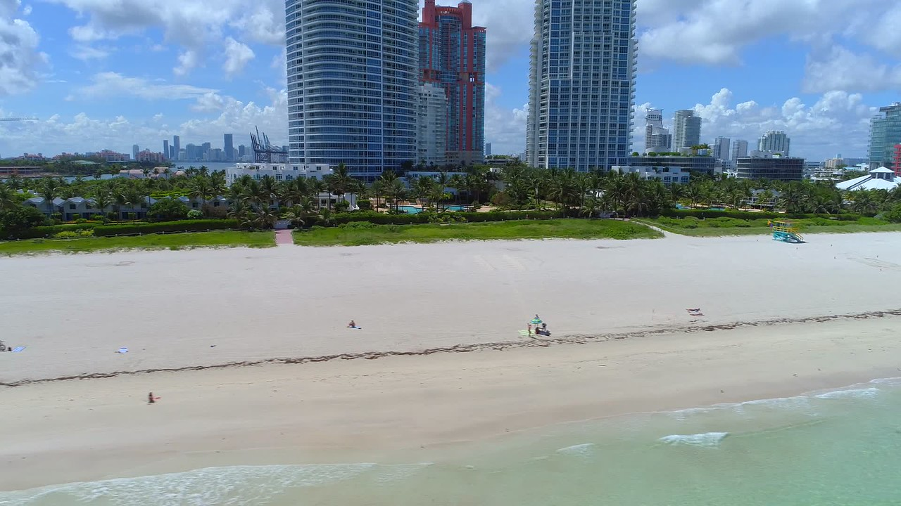 Calm Miami Beach before Hurricane Irma arrives