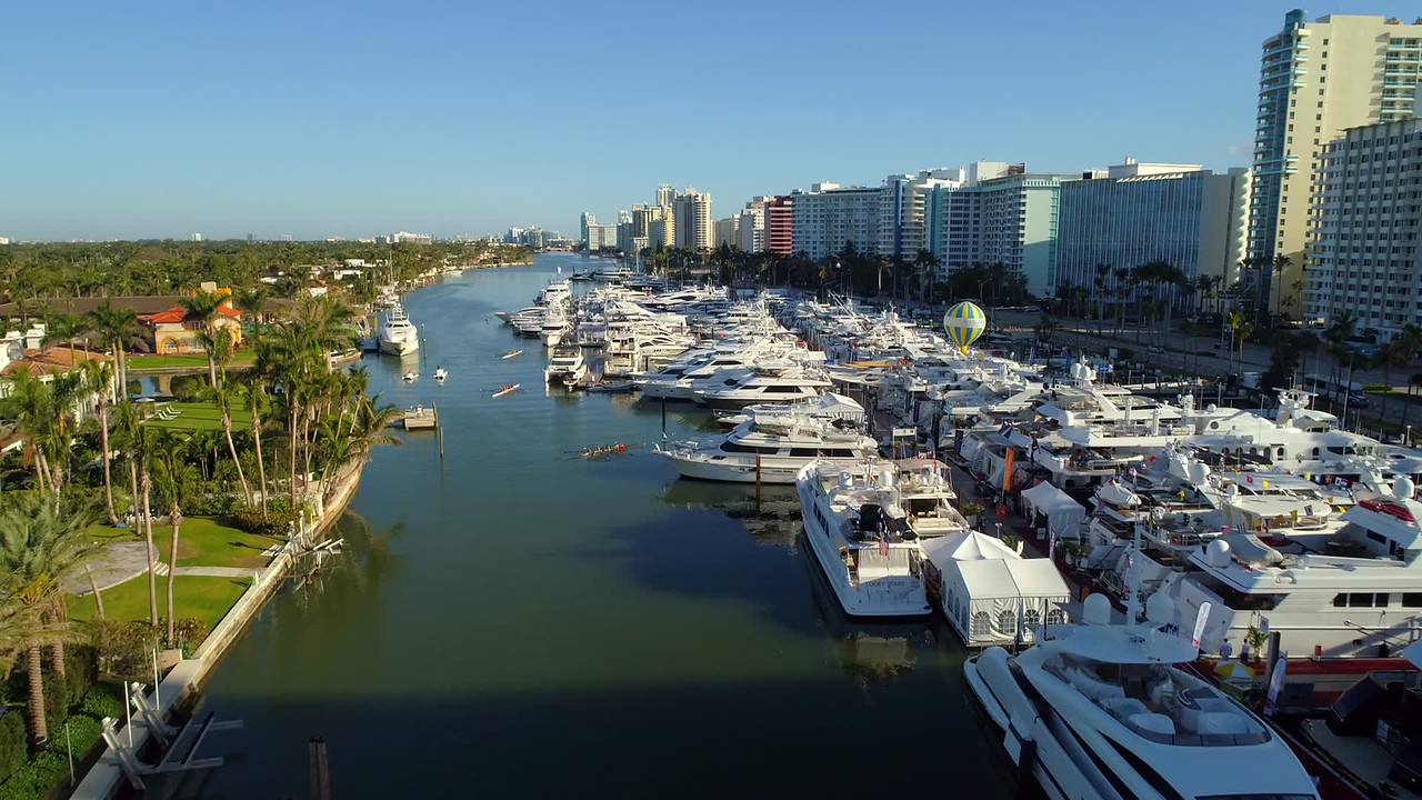 Aerial video boat show Miami Beach 2018