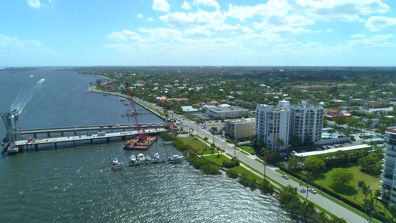 Intersection aerial video Flagler Drive and Southern Boulevard West Palm Beach