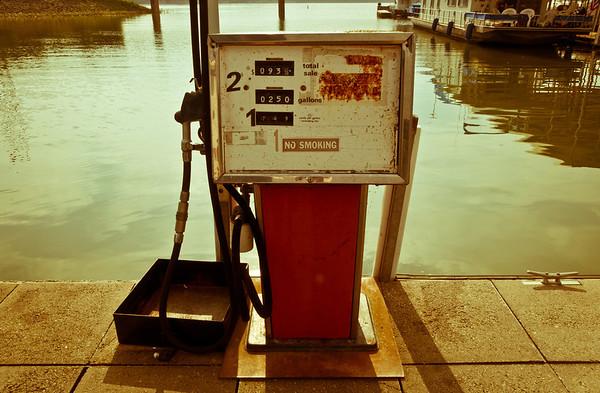 20100714_Stock_Gas Pump_Illinois-1