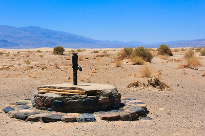 Old Stovepipe Wells