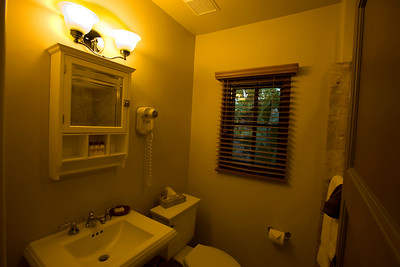 1 bath Villa