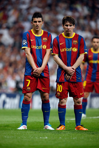 Villa and Messi making a wall for a free kick, UEFA Champions League Semifinals game between Real Madrid and FC Barcelona, Bernabeu Stadiumn, Madrid, Spain