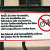 Sign forbidding to lock bikes, Berlin, Germany