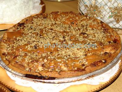 Caramel Crunch Apple Pie