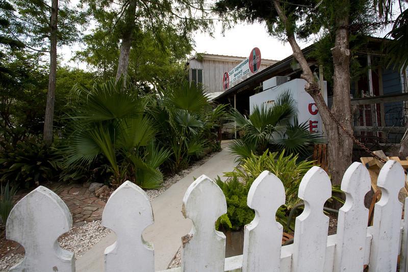 LA-2007-017: Cocodrie, Terrebonne Parish, LA, USA