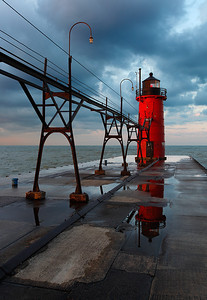 South Haven South Pierhead Lighthouse (South Haven, MI)