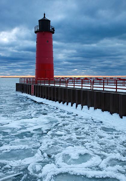 Milwaukee Pierhead Lighthouse (Milwaukee, WI)