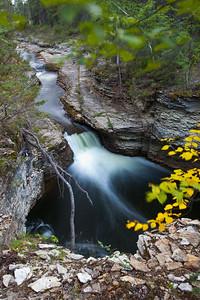 NT-2010-092: Wallace Creek Falls, South Slave Region, NT, Canada
