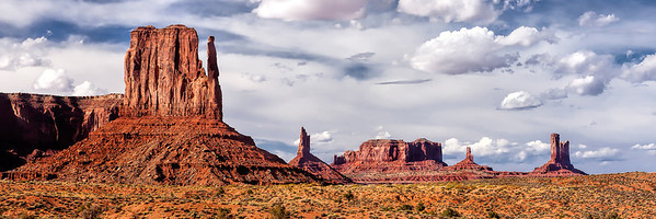 Sandstone buttes, mesas and spires in Monument Valley