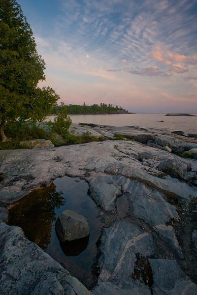 ON-2008-122: Lake Superior Provincial Park, Algoma District, ON, Canada