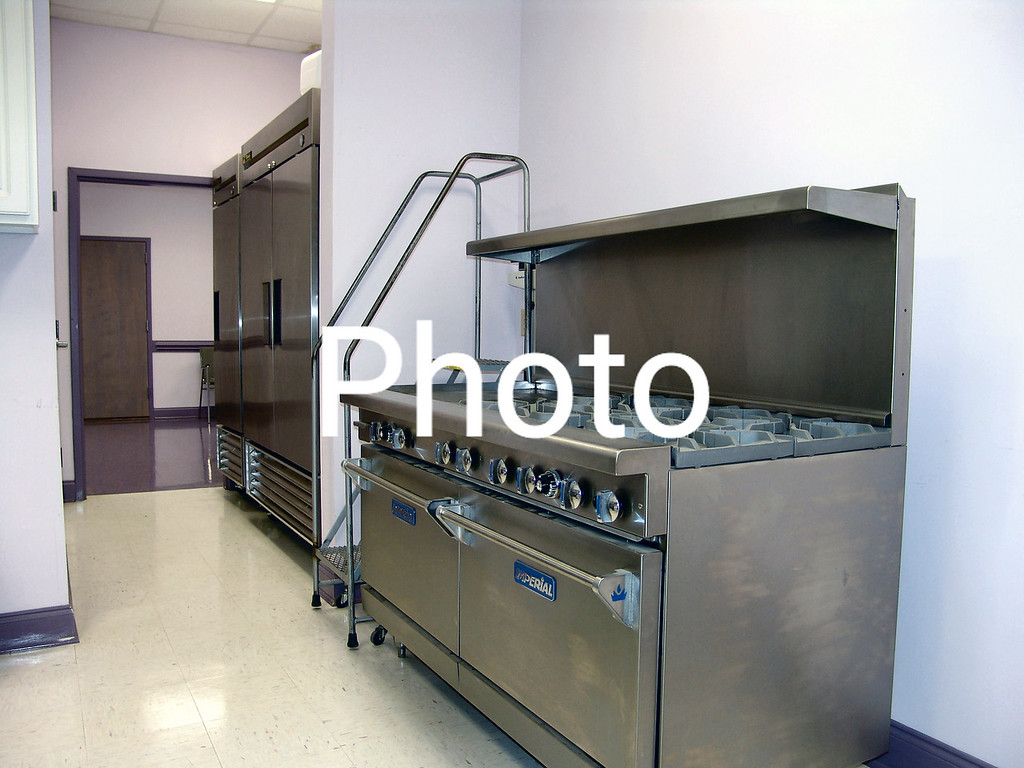 For Sale call 252 332 6484<br /> Gas Convection stove with 8 burner and a grill top