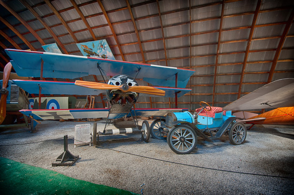 1908 Brush Runabout and1917 Fokker Dr.1