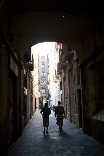 Alley, Raval quarter, town of Barcelona, autonomous commnunity of Catalonia, northeastern Spain