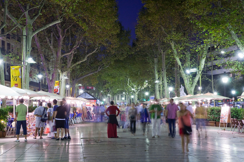 Night scene on Las Ramblas street, town of Barcelona, autonomous commnunity of Catalonia, northeastern Spain