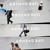 Composición con reflejos en el rótulo de la tienda Armand Basi del Paseo de Gracia, Barcelona