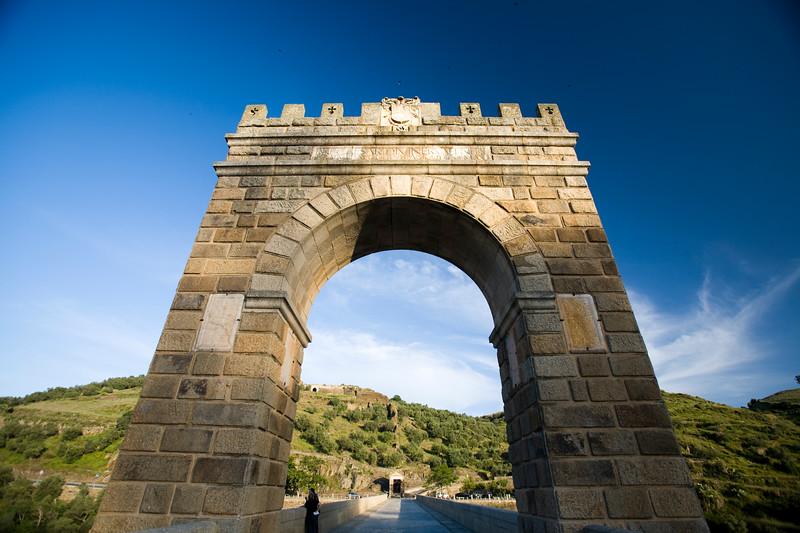 Triumphal arch, Alcantara Roman bridge, province of Caceres, autonomous community of Extremadura, southwestern Spain