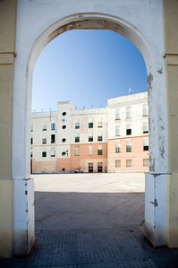 Campo del Sur, the Cadiz southern seafront, is plenty of colorful houses.