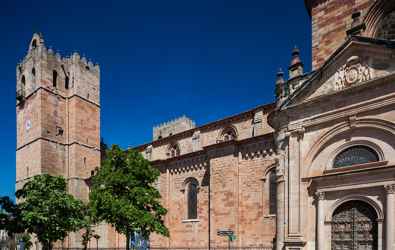 Torre de las Campanas (Bells Tower), left, and Puerta del Mercado (Market Gate), right. Sigüenza Cathedral, province of Guadalajara, Spain
