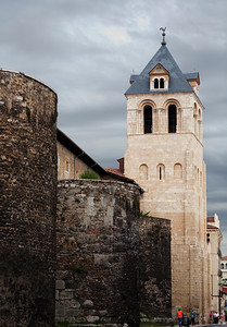 City walls and the bell tower of the Romanesque San Isidoro basilica, Town of Leon, autonomous community of Castilla y Leon, northern Spain