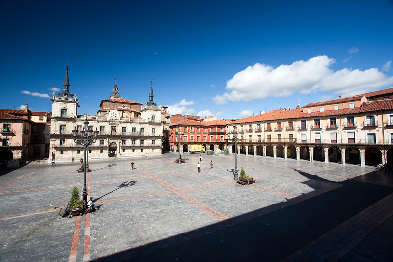 Plaza Mayor (Main Square) with the city hall, town of Leon, autonomous community of Castilla y Leon, northern Spain