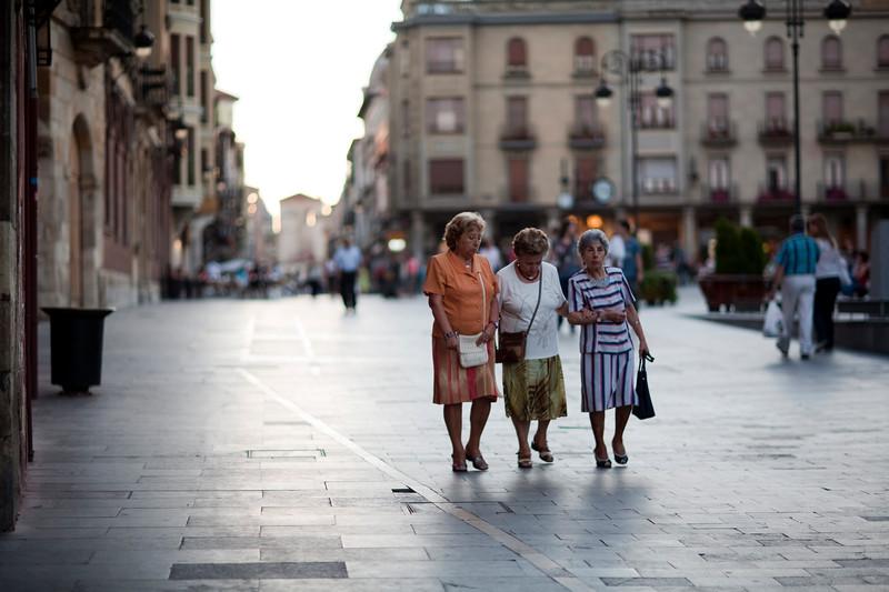 Elderly women walking in downtown, town of Leon, autonomous community of Castilla y Leon, northern Spain