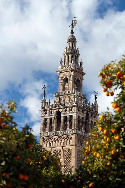 the Giralda tower, Renaissance work by Hernan Ruiz over the Moorish minaret, Seville, Spain
