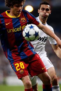 Close up of Sergi Roberto marked by Arbeloa, UEFA Champions League Semifinals game between Real Madrid and FC Barcelona, Bernabeu Stadiumn, Madrid, Spain