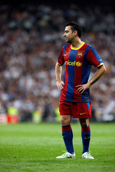 Xavi gesturing, UEFA Champions League Semifinals game between Real Madrid and FC Barcelona, Bernabeu Stadiumn, Madrid, Spain