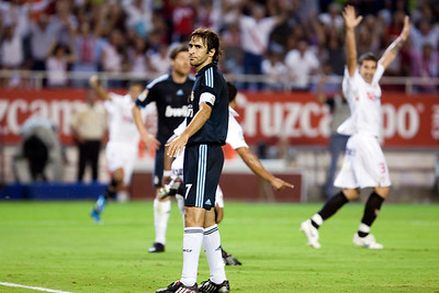 Raul sees how Sevilla FC players celebrate a goal. Spanish League game between Sevilla FC and Real Madrid, Sanchez Pizjuan Stadium, Seville, Spain, 4 October 2009