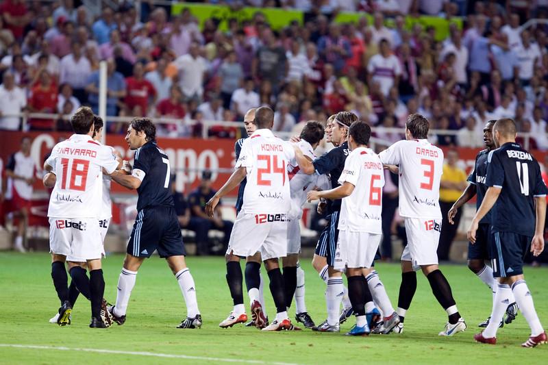 Sevilla and Real Madrid players quarreling, Spanish League game between Sevilla FC and Real Madrid, Sanchez Pizjuan Stadium, Seville, Spain, 4 October 2009