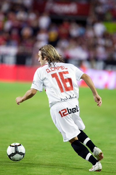 Diego Capel with the ball. Spanish League game between Sevilla FC and Real Madrid, Sanchez Pizjuan Stadium, Seville, Spain, 4 October 2009
