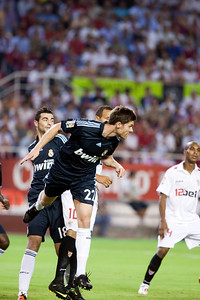 Clearance by Xabi Alonso. Spanish League game between Sevilla FC and Real Madrid, Sanchez Pizjuan Stadium, Seville, Spain, 4 October 2009