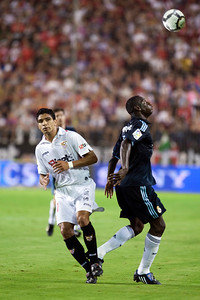 Diarra and Renato. Spanish League game between Sevilla FC and Real Madrid, Sanchez Pizjuan Stadium, Seville, Spain, 4 October 2009