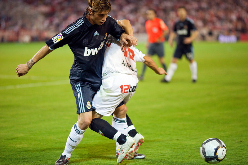 Sergio Ramos fighting with Capel. Spanish League game between Sevilla FC and Real Madrid, Sanchez Pizjuan Stadium, Seville, Spain, 4 October 2009