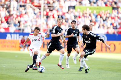 Adriano (Sevilla) before (left to right) Guti, Torres and Gago (Real Madrid). Spanish Liga football game between Sevilla FC and Real Madrid CF that took place at Sanchez Pizjuan stadium, Seville, Spain, on 26 April 2009