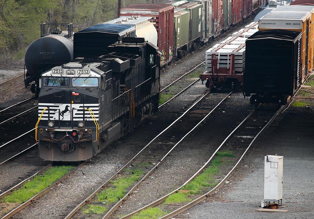 Norfolk Southern 7513 (ES40DC) - Enola Yard (Harrisburg, PA)