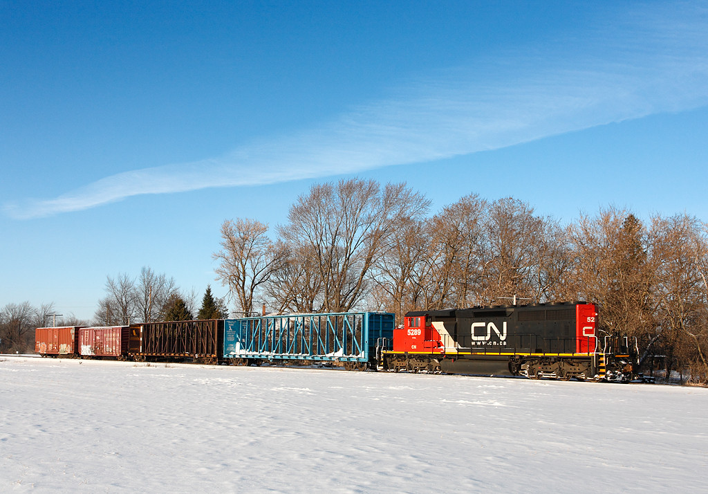 Candian National 5289 (GMD SD40-2W) - Rockfield, WI